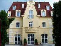 Hotel Walzer in Budapest - renovated hotel in green surrounding Hotel Walzer*** Budapest - cheap accommodation in Buda in the vicinity of Southern Railway Station -